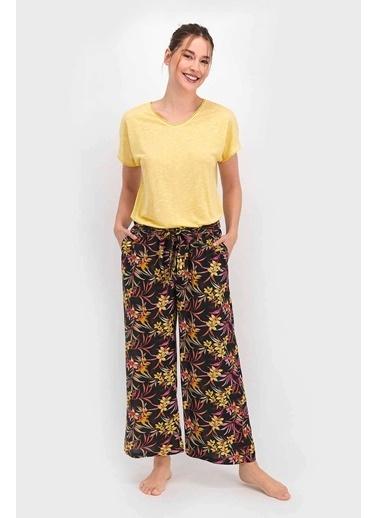 Arnetta Floral Gül Kurusu Kadın Kısa Kol Pijama Takımı Sarı